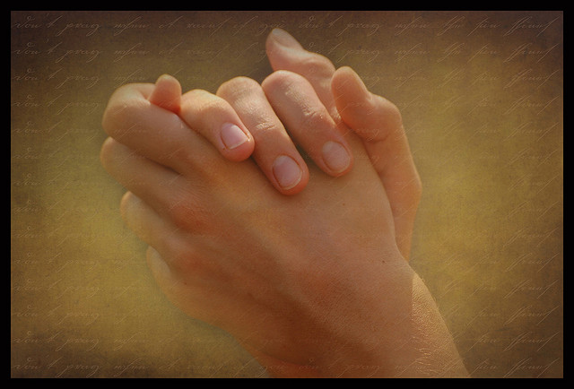 Praying hands In everything give thanks...